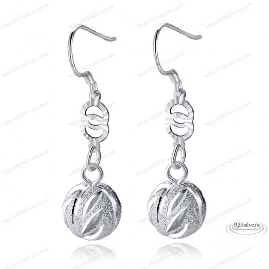 silver earring New , Earrings Are Stylish With Elegant Design