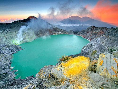 عکس های اندونزی دریاچه ی ایجن در شرق جاوا